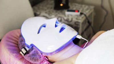 L E D Light Therapy Facial Course